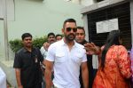 Mahendra Singh Dhoni promote film M S Dhoni in Oberoi Mall on 30th Sept 2016 (21)_57effaba8a2a8.JPG