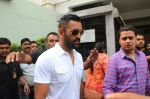 Mahendra Singh Dhoni promote film M S Dhoni in Oberoi Mall on 30th Sept 2016 (22)_57effabb6f205.JPG