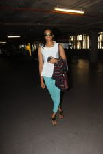 P V Sindhu snapped at airport on 30th Sept 2016 (5)_57eff9f8ab0fc.JPG