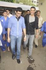 Aditya Thackeray, Akshay Kumar for prize distribution for female martial arts for self defense course on 2nd Oct 2016 (66)_57f11c7092354.JPG