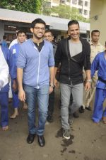 Aditya Thackeray, Akshay Kumar for prize distribution for female martial arts for self defense course on 2nd Oct 2016 (68)_57f11c7134e5a.JPG