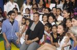 Alia Bhatt, Aditya Thackeray, Akshay Kumar for prize distribution for female martial arts for self defense course on 2nd Oct 2016 (61)_57f11c7b6160d.JPG