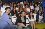 Alia Bhatt, Aditya Thackeray, Akshay Kumar for prize distribution for female martial arts for self defense course on 2nd Oct 2016 (71)_57f11d0847d45.JPG