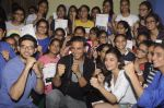 Alia Bhatt, Aditya Thackeray, Akshay Kumar for prize distribution for female martial arts for self defense course on 2nd Oct 2016 (74)_57f11d08ed43a.JPG