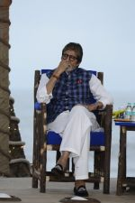 Amitabh Bachchan at NDTV Cleanathon campaign in Juhu Beach on 2nd Oct 2016 (45)_57f11d413f576.JPG