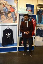 Anil Kapoor at Adidas Event in Mumbai on 30th Sept 2016 (36)_57f0e9f927515.JPG