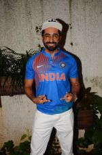 Ayushman Khurana at M S Dhoni film Screening on 30th Sept 2016 (73)_57f0ed6f8de99.JPG