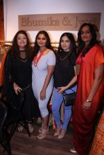 Bhumi Pednekar at Bhumika and Jyoti fashion preview on 1st Oct 2016 (43)_57f121ed93632.JPG