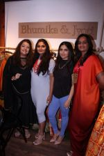 Bhumi Pednekar at Bhumika and Jyoti fashion preview on 1st Oct 2016 (41)_57f121ec04788.JPG