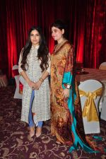 Bhumi Pednekar at Naafia Naazish exhibition on 1st Oct 2016 (26)_57f123813b675.JPG