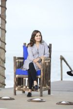 Dia Mirza at NDTV Cleanathon campaign in Juhu Beach on 2nd Oct 2016 (66)_57f11d61c206f.JPG