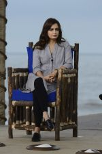 Dia Mirza at NDTV Cleanathon campaign in Juhu Beach on 2nd Oct 2016 (68)_57f11d63682c1.JPG