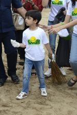 Divya Kumar at NDTV Cleanathon campaign in Juhu Beach on 2nd Oct 2016 (30)_57f11d9ed8ee8.JPG