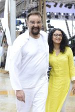Kabir Bedi at NDTV Cleanathon campaign in Juhu Beach on 2nd Oct 2016 (64)_57f11da1226f3.JPG