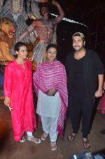 Kajol, Sharbani Mukherjee at Durga Pooja on 2nd Oct 2016 (17)_57f11c2ddc5a2.JPG