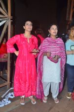 Kajol, Sharbani Mukherjee at Durga Pooja on 2nd Oct 2016 (5)_57f11c29d1dcf.JPG