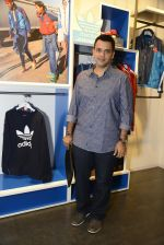 Nachiket Barve at Adidas Event in Mumbai on 30th Sept 2016 (21)_57f0ea80c5eee.JPG