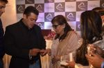 Salman Khan, Salma Khan, Arpita Khan at Being Human jewellery launch on 30th Sept 2016 (22)_57f0ef756c9ca.jpg