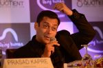 Salman at Being Human jewellery launch on 30th Sept 2016 (15)_57f0ef6df0ed3.jpg