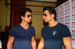 Sonu Sood_s wax statue unveiled in Mumbai on 1st Oct 2016 (32)_57f0fb547c11d.JPG