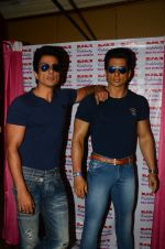 Sonu Sood_s wax statue unveiled in Mumbai on 1st Oct 2016 (60)_57f0fb676a20e.JPG