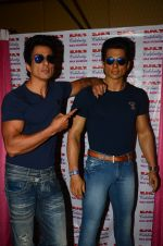 Sonu Sood_s wax statue unveiled in Mumbai on 1st Oct 2016 (62)_57f0fb690b6ca.JPG