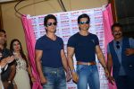 Sonu Sood_s wax statue unveiled in Mumbai on 1st Oct 2016 (7)_57f0fb3dd7922.JPG