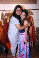 Sumona Chakravarti at Bhumika and Jyoti fashion preview on 1st Oct 2016 (15)_57f122410225d.JPG