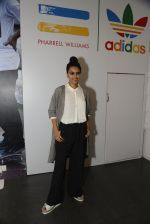 Swara Bhaskar at Adidas Event in Mumbai on 30th Sept 2016 (31)_57f0ea62c8c36.JPG