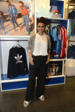 Swara Bhaskar at Adidas Event in Mumbai on 30th Sept 2016 (34)_57f0ea6670d93.JPG