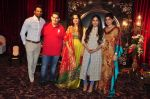 Upen Patel, Bhumi Pednekar at Naafia Naazish exhibition on 1st Oct 2016 (30)_57f122ee13761.JPG