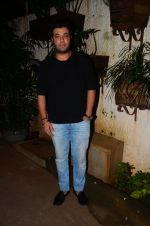 Varun Sharma at M S Dhoni film Screening on 30th Sept 2016 (33)_57f0ee24a501c.JPG