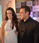 Waluscha, Salman at Being Human jewellery launch on 30th Sept 2016 (18)_57f0ef33a466a.jpg