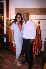 at Bhumika and Jyoti fashion preview on 1st Oct 2016 (24)_57f121e294236.JPG