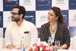 saif ali khan and kareena kapoor at prathima hospitals brand ambassador on 1st Oct 2016 (144)_57f0f7f50abd3.JPG