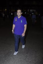 Adnan Sami snapped at airport on 3rd Oct 2016 (8)_57f3a70d6a3f1.JPG