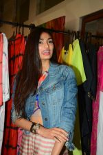 Athiya Shetty at aaraish exhibition (4)_57f3a59a85406.jpg