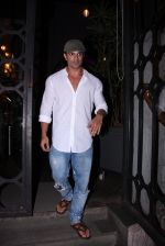 Karan Singh Grover snapped on 4th Oct 2016 (2)_57f4eab08a90d.JPG