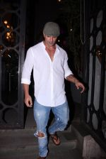 Karan Singh Grover snapped on 4th Oct 2016 (4)_57f4eae05dbbd.JPG
