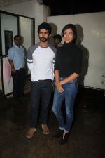 Siddharth Menon, Shriya Pilgaonkar at the Screening of Queen of Katwe in Sunny Super Sound on 4th Oct 2016 (16)_57f494718bbbb.JPG