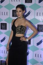 Amyra Dastur at Elle Beauty Awards on 5th Oct 2016 (32)_57f5f06a8e937.JPG
