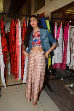 Athiya Shetty at Araish in Mumbai on 4th Oct 2016 (127)_57f5ce7c1554a.JPG