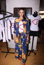 Evelyn Sharma host 3rd Garage Sale of Seams for Dreams an Initiative on 4th Oct 2016 (10)_57f5c5899fab2.JPG
