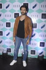 Karthik Aaryan at Elle Beauty Awards on 5th Oct 2016 (148)_57f5f0a7b36ce.JPG