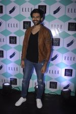 Karthik Aaryan at Elle Beauty Awards on 5th Oct 2016 (150)_57f5f0c8b8f7c.JPG