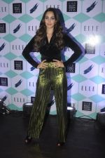 Kiara Advani at Elle Beauty Awards on 5th Oct 2016 (41)_57f5f0eb16f9d.JPG