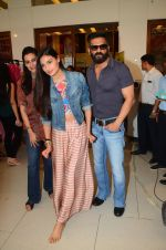 Mana Shetty, Athiya Shetty, Sunil Shetty at Araish in Mumbai on 4th Oct 2016 (122)_57f5d1cfb6834.JPG