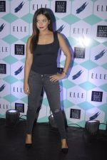 Neetu Chandra at Elle Beauty Awards on 5th Oct 2016 (34)_57f5f0ee60b6a.JPG