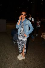 Radhika Apte snapped at airport on 5th Oct 2016 (45)_57f5e0faa7596.JPG