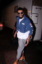 Ranveer Singh snapped at Mehboob on 5th Oct 2016 (11)_57f5d70c0a613.JPG